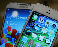 Samsung Galaxy S4 mü iPhone 5S mi alalım?